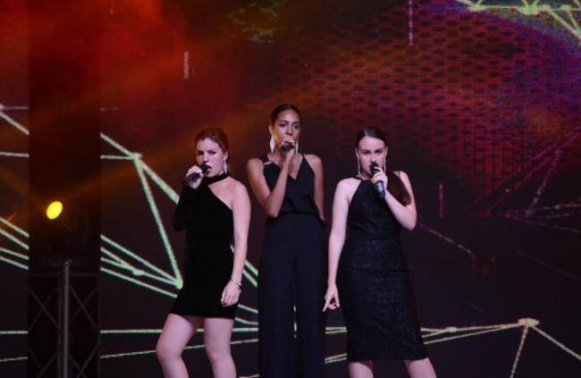 Научись петь в формате «Non Stop»! В ТКС «Оптимист» идёт набор в вокальную шоу-группу